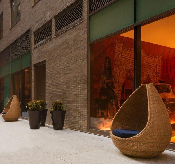 Jane Hamley Wells HOTSPOT_DSDHSN01 modern indoor outdoor guest accent high back lounge chair lifestyle_2