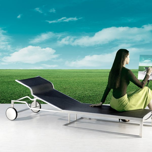 Jane Hamley Wells TT_TT7188_A modern outdoor sunbed lounger adjustable headrest mesh with stainless steel frame wheels lifestyle_1