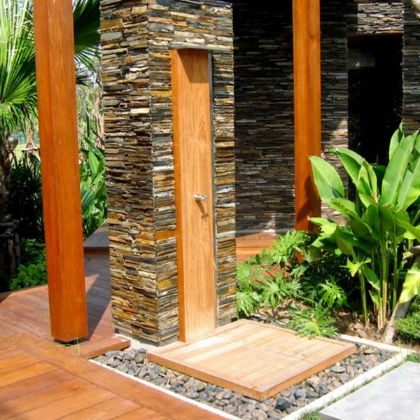 Jane Hamley Wells WATERFALL_WS4998 freestanding modern outdoor shower hot and cold taps teak stainless steel lifestyle_1